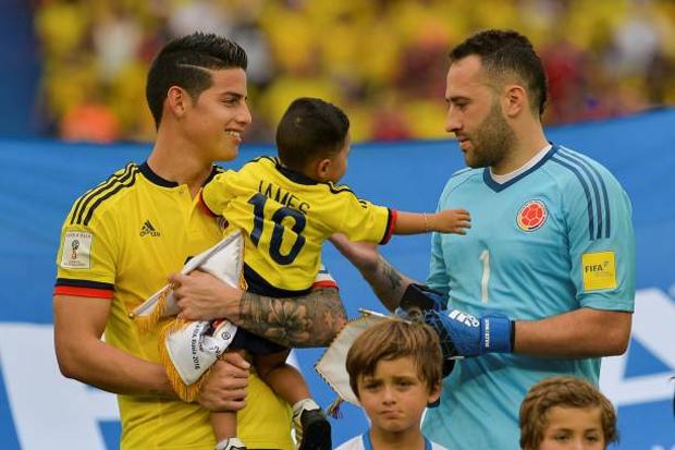 Thủ thành 31 tuổi là anh trai của vợ cũ tiền vệ James Rodriguez (trái). Cả hai là đồng đội trong tuyển Colombia.