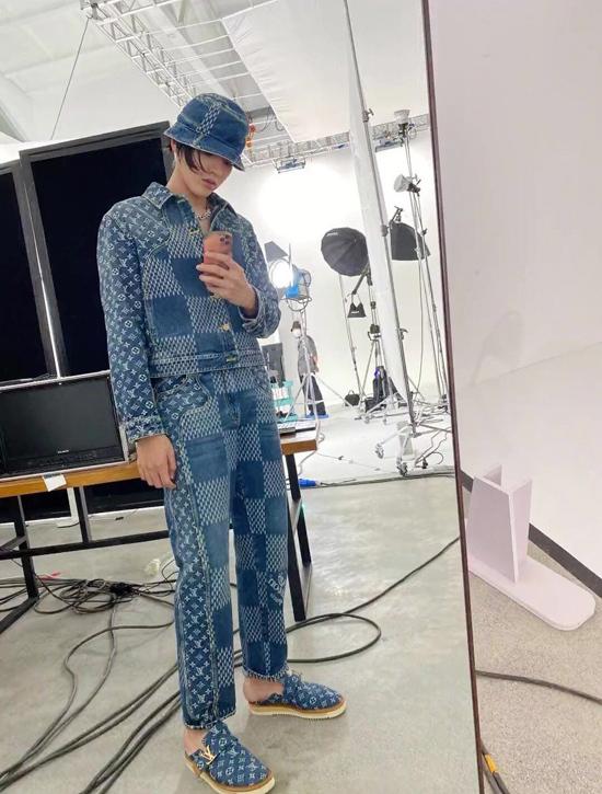 Ngô Diệc Phàm mặc Louis Vuitton như đồ Taobao