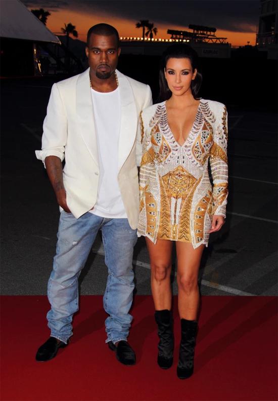 Kim sánh đôi bên Kanye tại liên hoan phim Cannes.