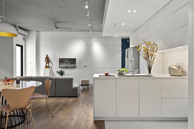 Phong cách được lựa chọn cho căn hộ là tối giản và Scandinavian hiện đại, tạo ra không gian sống tự do, tinh tế. Nội thất trong nhà được tính toán kỹ để phù hợp concept được chọn lựa.