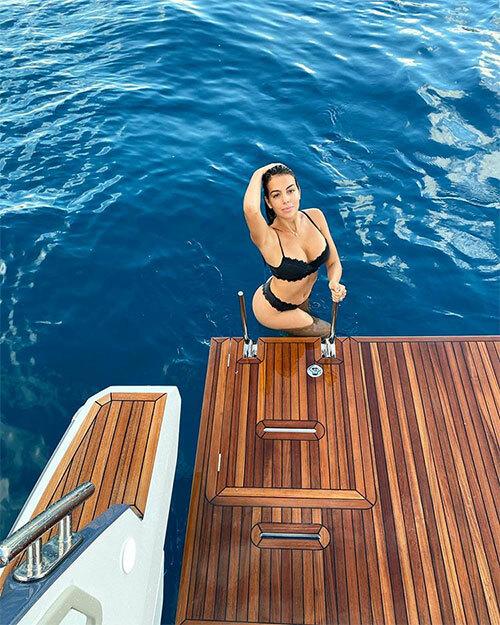 Người đẹp Georgina Rodriguez khoe thân hình nóng bỏng. Ảnh: Instagram.