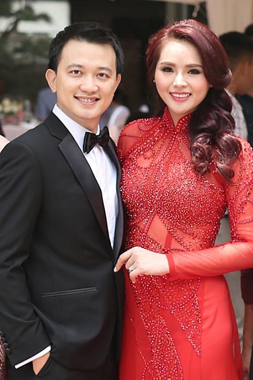 Hoa khôi Thể thao 2012 Lại Hương Thảo bên chồng cũ - doanh nhân Nguyễn Anh Tuấn.