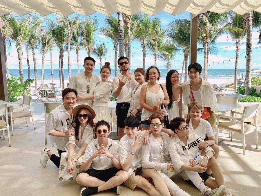 Khung cảnh lãng mạn của resort 5 sao được Thu Hoài lựa chọn làm quà tặng khách.