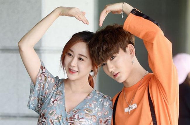 Ham So Won và chồng trẻ.