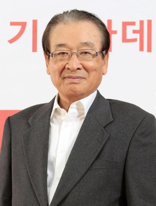 Ông Lee Soon Jae, diễn viên nổi tiếng Hàn Quốc.