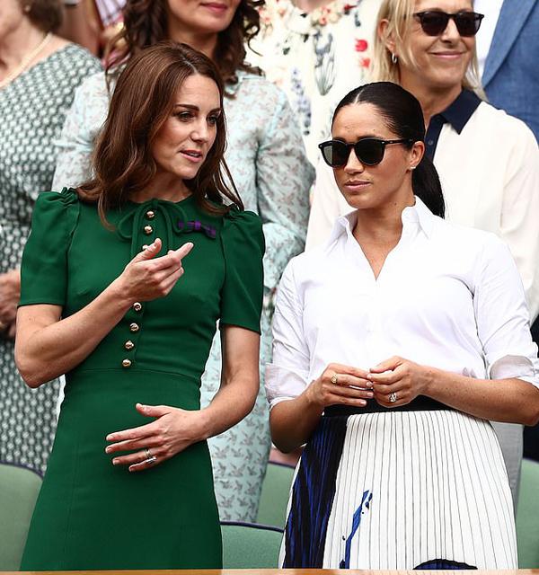Kate và Meghan đi xem chung kết Wimbledon năm 2019. Ảnh: Rex.