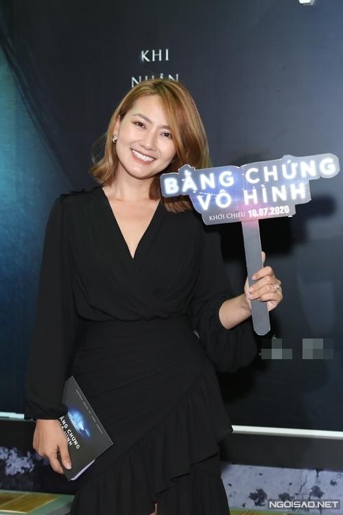 Diễn viên Ngọc Lan có mặt từ sớm để ủng hộ phim Việt đầu tiên tổ chức sự kiện công chiếu sau Covid-19.