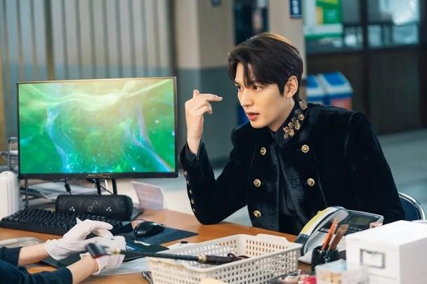 Lee Min Ho trở nên hot sau khi xuất ngũ.