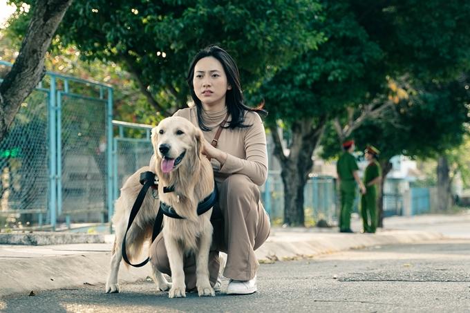 Phương Anh Đào vào vai cô gái mù - vai diễn do minh tinh Kim Ha Neul thể hiện trong bản phim gốc Blind của Hàn Quốc.