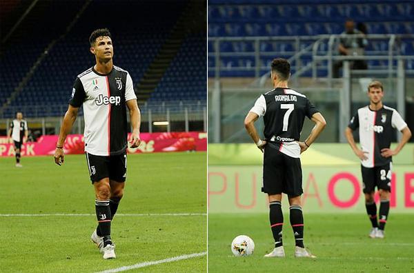C. Ronaldo với kiểu tóc mới trong trận thua Milan hôm 7/7. Ảnh: Reuters.