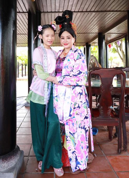 Bảo Hà đóng vai con gái của nghệ sĩ Lê Giang trong Đệ nhất kỹ nam.
