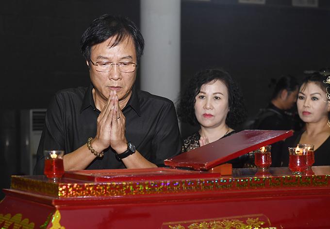 Đạo diễn, NSND Trọng Trinh từng có nhiều lần hợp tác với nghệ sĩ Hoàng Yến trong các phim truyền hình. Anh rất ấn tượng với sự chỉn chu, chuyên nghiệp của bà trong mỗi vai diễn. NSND Trọng Trinh cũng là người bạn cùng khóa với chị Thuỳ Hương, con gái của nghệ sĩ Hoàng Yến.