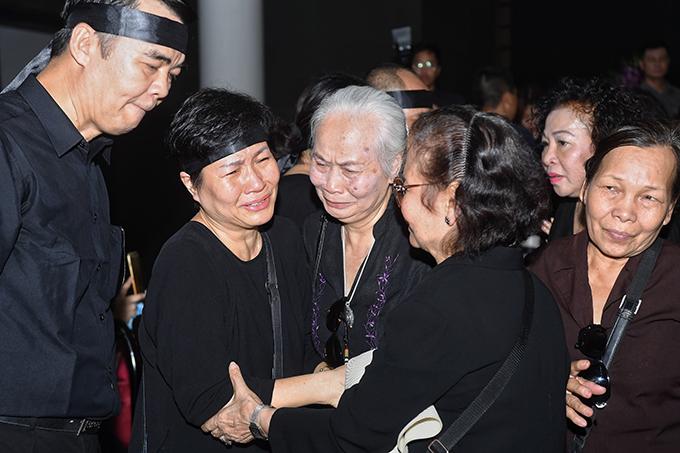 Nghệ sĩ Kim Thoa chia buồn cùng gia quyến.