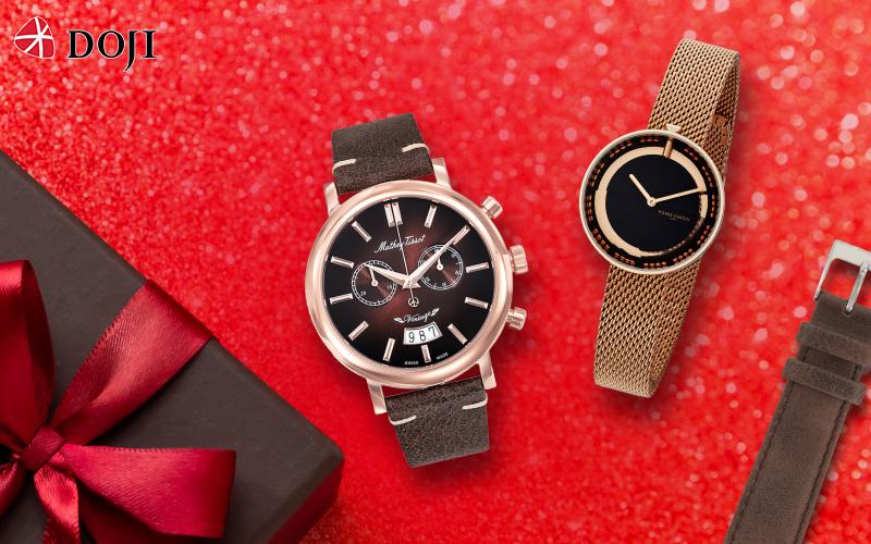Trong chương trình khuyến mãi lớn nhất năm này, DOJI còn dành tặng ưu đãi 30% giá trị sản phẩm khi khách hàng mua đồng hồ thương hiệu Pierre Cardin. Đối với các thương hiệu đồng hồ nổi tiếng khác như: Emporio Armani, Michael Kors, Versace, Mathey Tissot, Pierre Cardin, Fendi... và các loại dây da, DOJI Watch cũng giảm giá 20%.