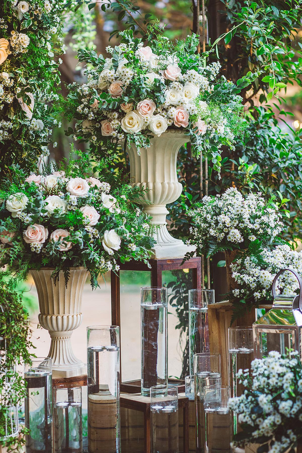 Bốn sảnh tiệc trong nhà và hai sảnh tiệc ngoài trời đều được đầu tư chuyên nghiệp về thiết kế, mang đến những sự lựa chọn phù hợp, đáp ứng mọi yêu cầu tổ chức tiệc cưới.