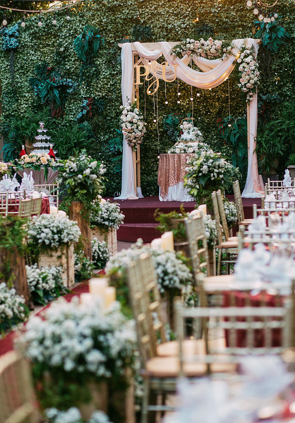 Khu vườn Le Jardin là một lựa chọn thú vị cho những đôi yêu tiệc cưới ngoài trời và thích vẻ đẹp thiên nhiên mộc mạc, đầy sức sống.