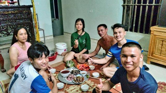 Quý xin ăn, nghỉ nhờ tại một gia đình ở Thanh Hóa. Ảnh: Nhân vật cung cấp.