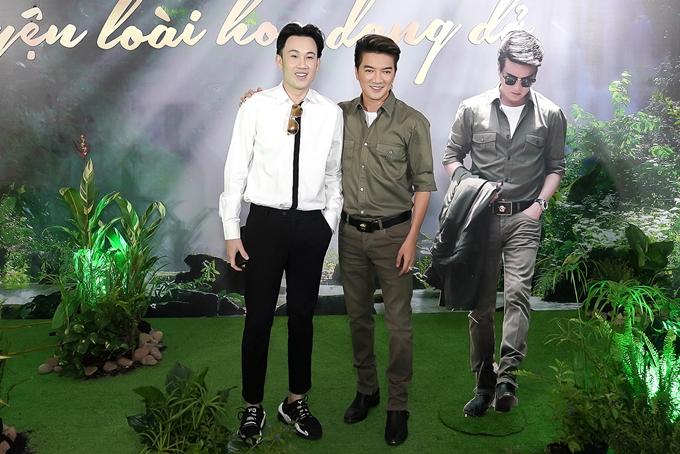 Ca sĩ Dương Triệu Vũ có mặt từ sớm chúc mừng chủ nhân sự kiện.