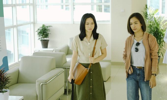 Phương Anh Đào (trái) và Ái Phương hợp vai, diễn tốt, kết hợp ăn ý.