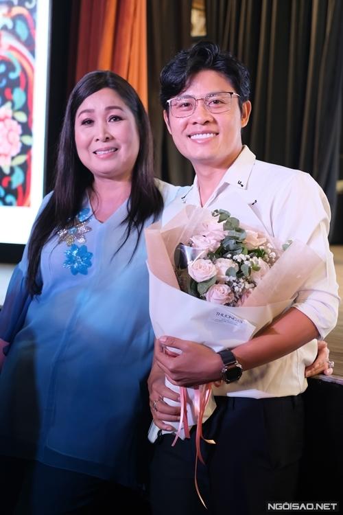 Vì mối thân tình với người chị ruột Hồng Vân, nhạc sĩ Nguyễn Văn Chung sáng tác miễn phí nhạc phim cho Đại Kê chạy đi 2.