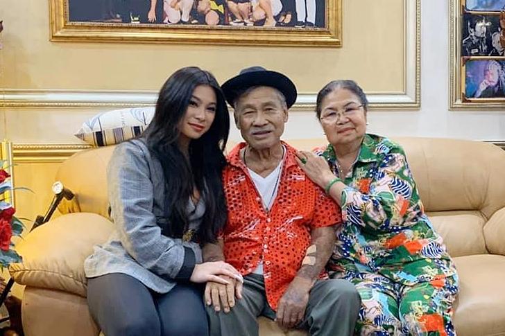Đầu năm 2020, giấc mơ của Lý Hương thành hiện thực khi mẹ con đoàn tụ. Chưa kể, Princess Lam có thể bay về Việt Nam thăm ông bà ngoại sau nhiều năm xa cách.