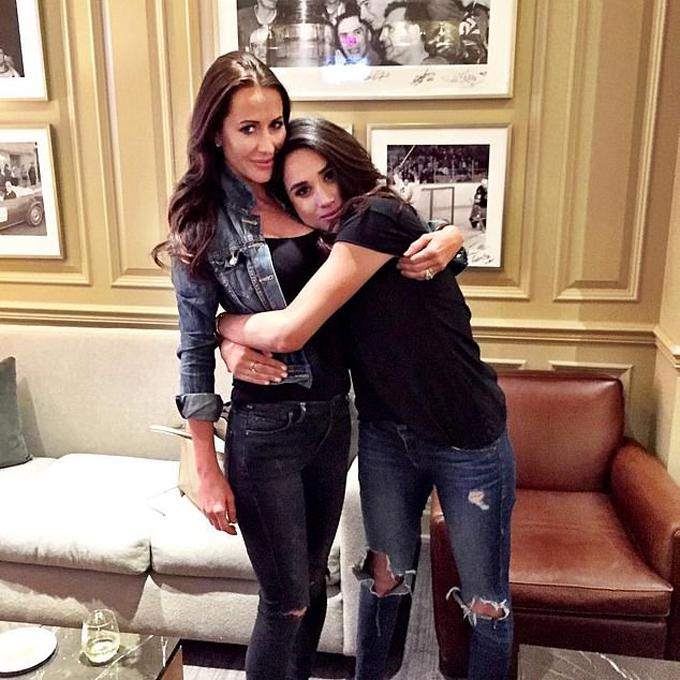 Meghan và Jessica thân nhau từ khi quay phim Suits ở Canada. Ảnh: Instagram.