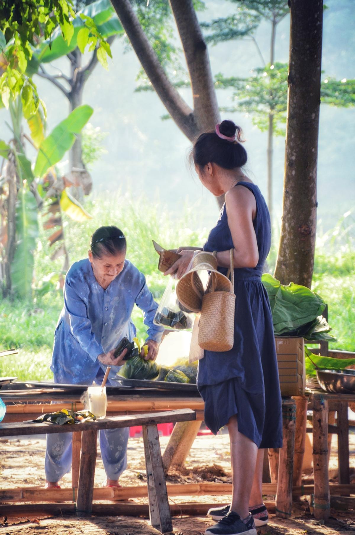 Vẻ đẹp chợ phiên Hương xưa làng cổ cố đô - 14