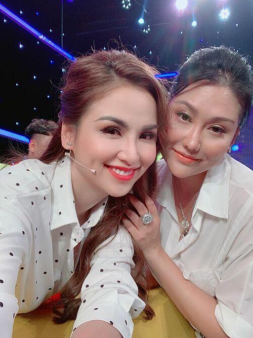 Hoa hậu Diễm Hương hội ngộ Phi Thanh Vân trong một gameshow.