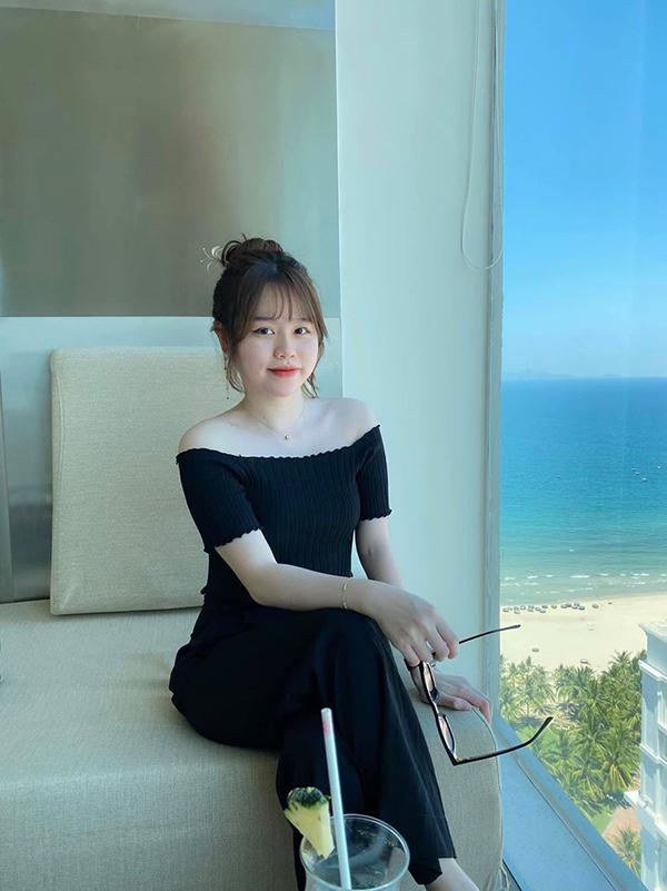 Bạn gái Quang Hải check-in ở Đà Nẵng.