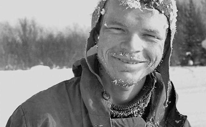 Igor Dyatlov (23 tuổi) - người dẫn đoàn sinh viên trượt tuyết trên dãy núi Ural năm 1959. Ảnh: East2west News.