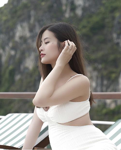 Vợ Cường Đô La, Đông Nhi đụng style bà bầu - 8