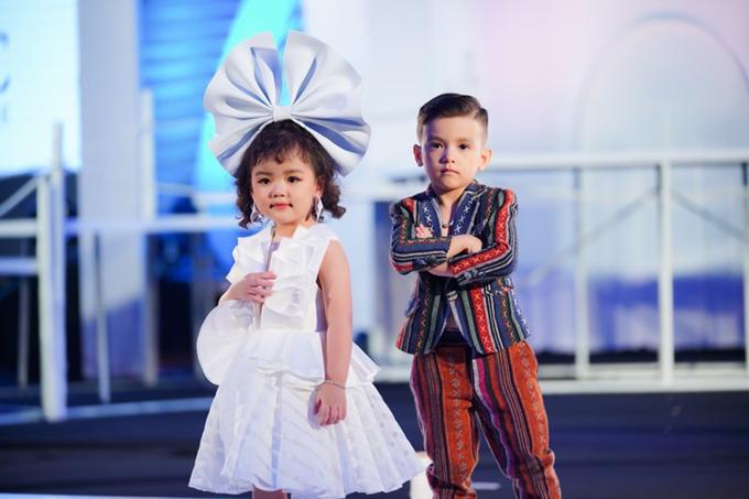 Song song với sự xuất hiện của các lớp mẫu nhí mới khai trương là nhiều fashion show thời trang trẻ em liên tục được tổ chức tại Hà Nội và TP HCM. (Ảnh minh họa)