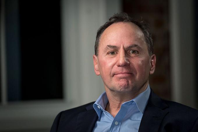 7. CEO Intel Robert Swan: 99 triệu USD