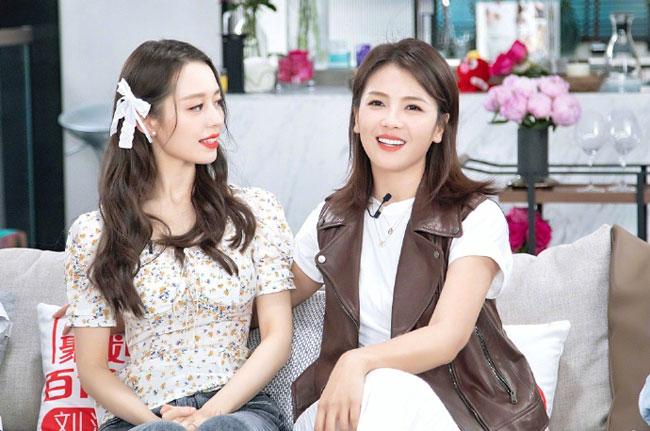 Góp mặt trong phòng thu của Lưu Đào hôm 12/7 còn có cả Gina - vợ của thần đồng piano Trung Quốc Lang Lang.
