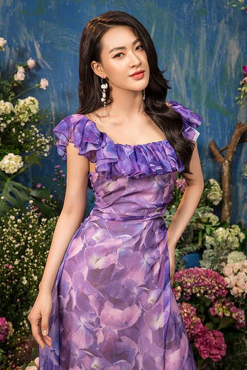 Sắc tím của hoa tử đinh hương (lilac) lên ngôi trên sàn diễn Xuân Hè 2020, được nhiều người ưa chuộng.