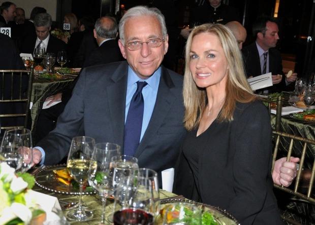 Tỷ phú Nelson Peltz và vợ Claudia Heffner. Ảnh: The Sun.