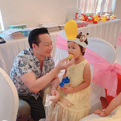 Phục vụ công chúa còn tốt hơn cả phục vụ vợ. Cần xem xét lại, cựu người mẫu Phan Như Thảo hài hước nhắn nhủ đại gia Đức An.