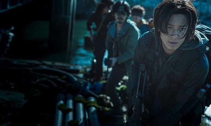Kang Dong Won vào vai cựu quân nhân trong Penisula.