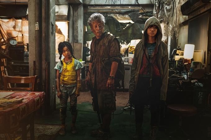 Cảnh trong phim Train To Busan 2 - Penisula (Bán Đảo).