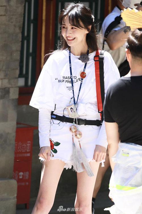 Cân nặng của Trịnh Sảng từng không ít lần là đề tài được quan tâm. Nhiều khán giả cho rằng cô quá gầy, thiếu sức sống. Trịnh Sảng 168 cm nhưng chỉ 44 kg, ăn uống theo chế độ nghiêm ngặt để bảo đảm vóc dáng.