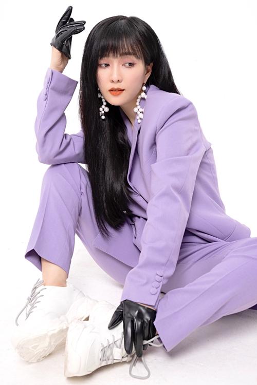 Ca sĩ Đinh Hương.