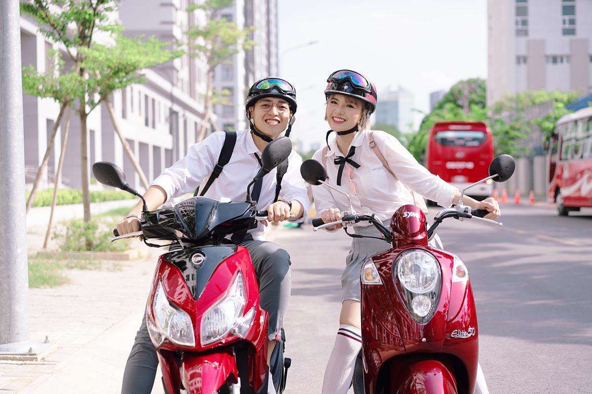 Các mẫu xe SYM 50cc là lựa chọn phù hợp cho các học sinh khiến phụ huynh yên tâm cho con đến trường mà không cần bằng lái.