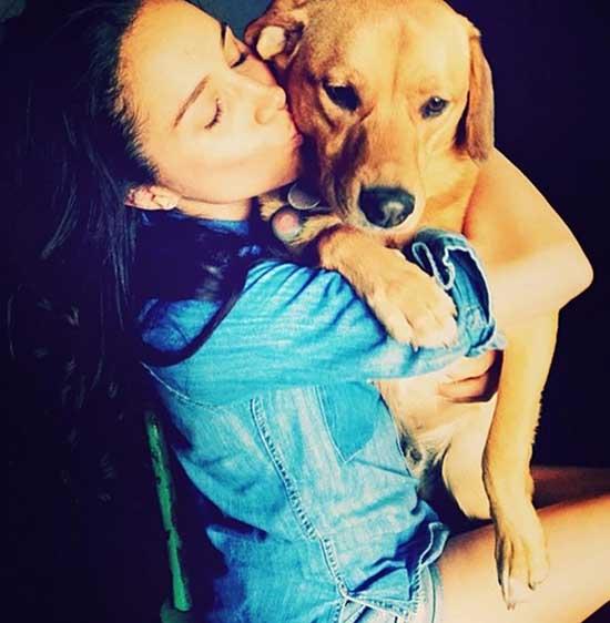 Meghan rất yêu quý chó cưng Bogart nhưng quyết định để nó ở Canada, không sang Mỹ cùng. Ảnh: Instagram.