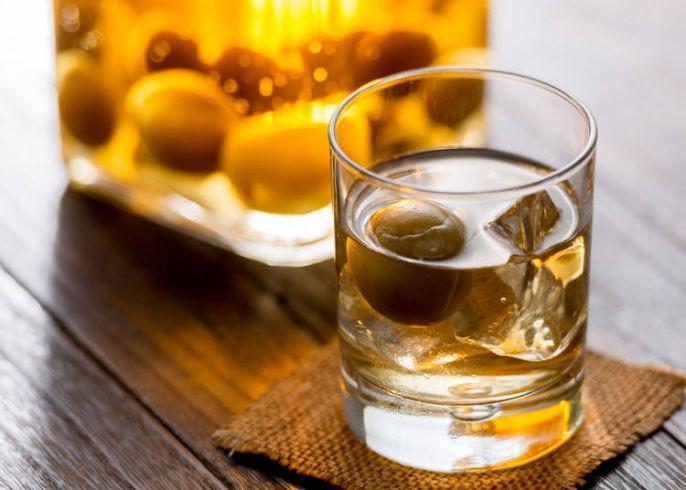 Rượu mơ uống với liều lượng chừng mực đem lại nhiều lợi ích cho sức khỏe.
