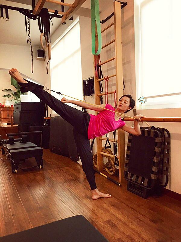 Tôn Lệ rất thích thể thao, cô tập nhiều bộ môn để giữ dáng.