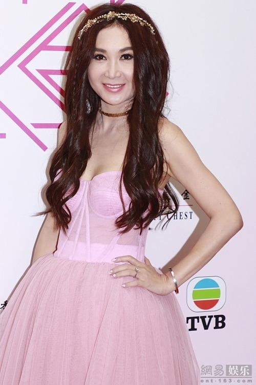 Ôn Bích Hà dự một sự kiện tại TVB gần đây.