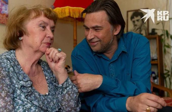 Bà Galina có cuộc sống hạnh phúc bên con rể kém 23 tuổi đã 10 năm nay. Ảnh: KP.ru.