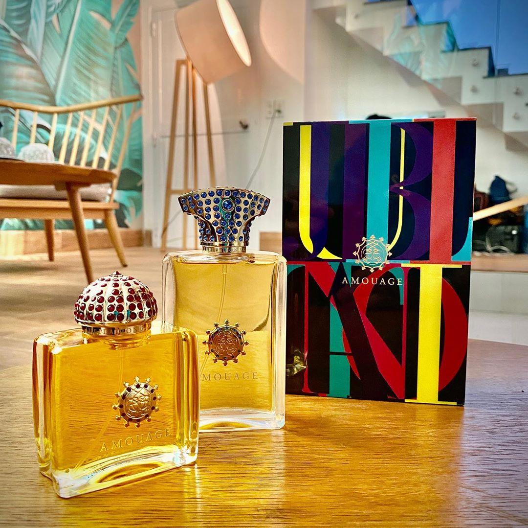 Nước hoa Amouage có phần vỏ được thiết kế mang hơi hướng văn hóa Oman và sử dụng phần lớn nguyên liệu của vùng Trung Đông.