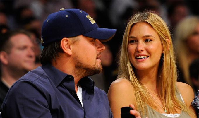 Bar Refaeli và Leonardo DiCaprio thời còn hẹn hò.