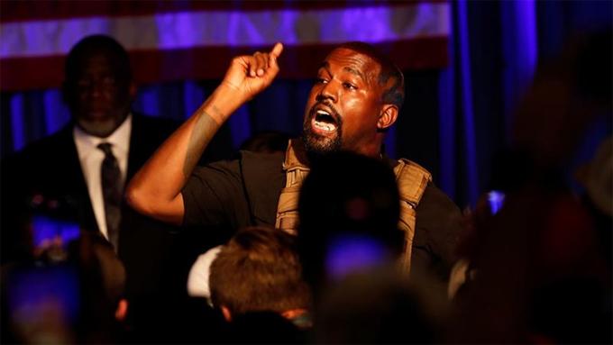 Kanye còn có nhiều phát ngôn gây tranh cãi và những cảm xúc thiếu kiểm soát tại cuộc gặp gỡ cử tri đầu tiên này. Nhiều người cho rằng anh đang gặp vấn đề về tâm thần vì rapper có tiền sử rối loạn lưỡng cực. Theo các nguồn tin, Kim Kardashian rất sốc và tức giận khi Kanye tiết lộ chuyện riêng của gia đình với công chúng. Nhưng mặt khác, Kim lo lắng chồng phát bệnh nên đã khuyên anh gặp bác sĩ. Bức xúc vì vợ nghĩ mình tâm thần, Kanye bỏ tới điền trang Wyoming và cố thủ ở đó cùng một vài người thân tín.